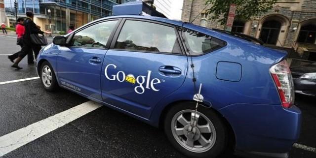 Google développe sa propre voiture autonome